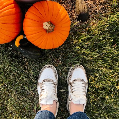 Things to be grateful for today.  1. Cute shoes 2. Pumpkins  3. Our cleaning lady came today 🙌🏻   #LTKSeasonal