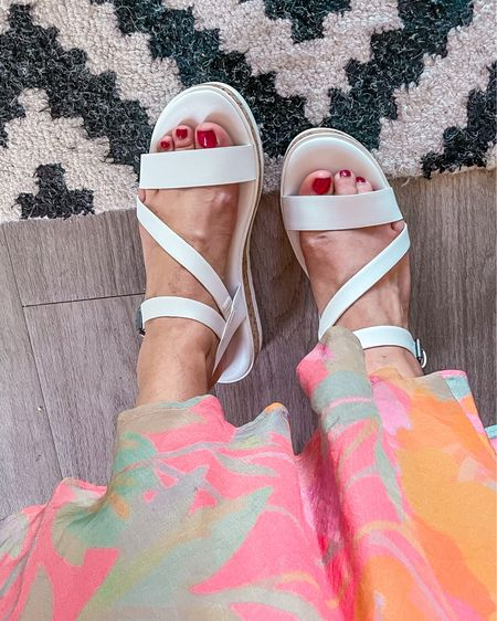 Found the cutest, most comfortable platform Sandals for spring and summer! Comes in 4 colors and they are under $30! True to size. http://liketk.it/3c56P #liketkit @liketoknow.it #platformsandals #sandals #targetstyle #target
