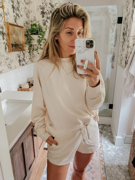 This cozy set from @vuoriclothing is perfect for lounging and running errands! Runs TTS   #ad #vuori