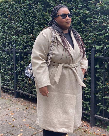 Plus-size long wrapped coat   #LTKeurope #LTKcurves #LTKstyletip