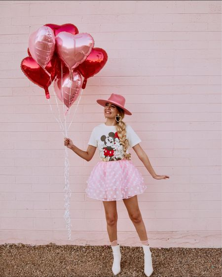 You are loved 💖  Whether or not you have a significant other this coming Valentine's Day I am here to tell you that it doesn't matter and you're still loved and important ✨  I didn't have a Valentine till I was 21 and I enjoyed every Valentine's Day eating all the candy and wearing all the pink 🙌🏼🙌🏼  Skirt is from @revolve #revolveme #revolveambassador  Link to outfit in story or bio ✨ http://liketk.it/36XiN #liketkit @liketoknow.it
