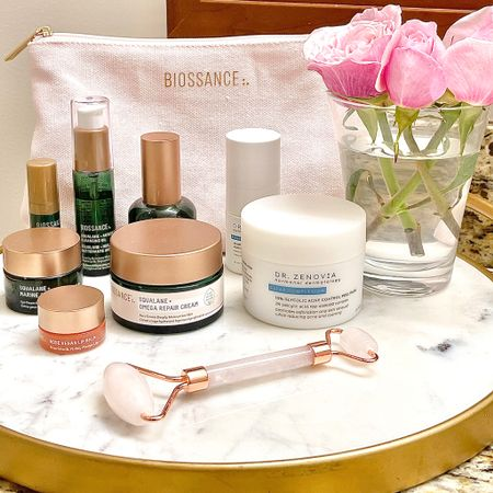 The gang's all here! These have been my favorite go-to skincare must-haves, and fresh for the new year I set everything up on this marble & gold tray which has upped my bath countertop game! 🙌🏻 The omega moisturizer has been a game-changer for dry winter skin-I highly recommend it!! The acne peel pads are life-saving when I get a breakout! Everything is linked in the @liketoknow.it app! http://liketk.it/39ss4 #liketkit #LTKbeauty #LTKhome #skincaregavorites #marbletray #cleanbeauty #marbleandgoldtray #naturalskincare #bathroomdecor #ondisplay #biossance #drzenovia