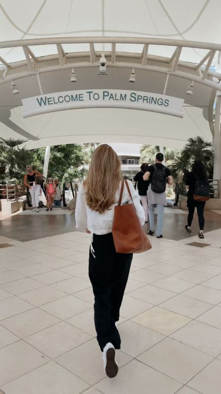 Touchdown Palm Springs! These pants are perfect for travel! Wearing size small.