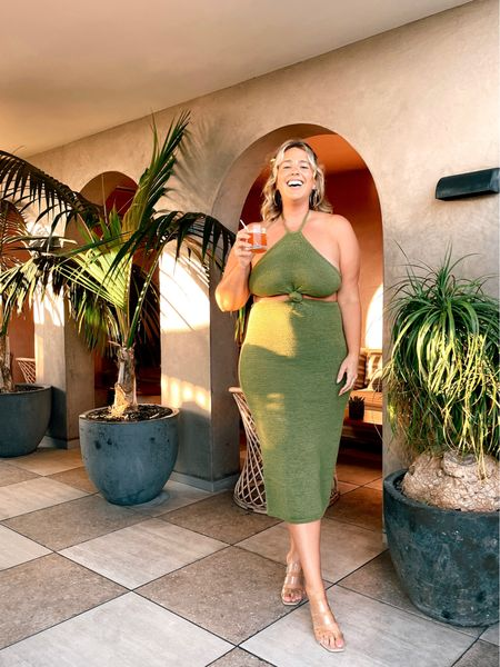 My new favorite SPLURGE dress! Wearing the size large!  #LTKstyletip #LTKcurves