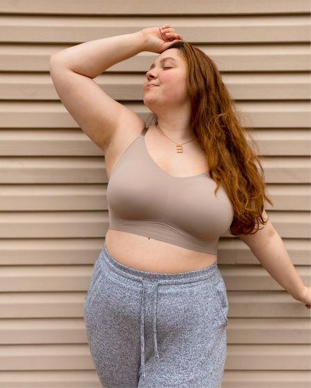 Linking both #trueandco bras here! Wearing a size large — usually a size 36DDD http://liketk.it/3drMj #liketkit @liketoknow.it #curvystyle #size14 #plussize #midsize