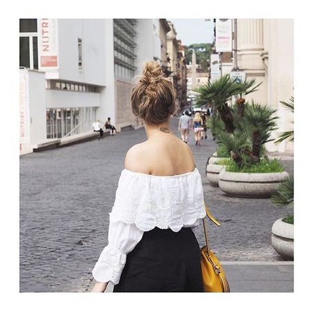 Messy hair and off shoulder details ?  To shop my look to your inbox direct via  @liketoknow.it sign up or check the link ➡️ www.liketk.it/1LzEG #liketkit #ootd #offshoulder #rome #italy #citybreaks #zara #asos #asseenonme
