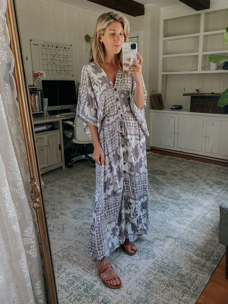 Bump + nursing friendly kimono dress  Love the sleeve and button detail on this.  Would be cute as a swim coverup too!