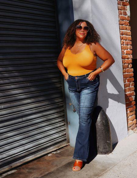 It's hot but we want fall 🍁 vibes… My answer - get stuff in fall tones that you can wear with layers later. Like this Marigold 🌼 Yellow bodysuit. I'm so into this vibrant yellow! I just added my flairs & sandals.   I'm wearing an xl in this bodysuit from @abercrombie It's linked in my LIKEtoKNOW.it Go to the link 🔗 in Bio. ——————————————————————————— 🇩🇴 Hace calor pero queremos otoño 🍁 vibraciones ... Mi respuesta: obtenga cosas en tonos otoñales que pueda usar con capas más tarde. Como este mono Marigold 🌼 Yellow. ¡Me encanta este amarillo vibrante! Acabo de agregar mis zapatos y sandalias.  Estoy usando un xl en este body de @abercrombie Está vinculado en mi LIKEtoKNOW.it Ve al enlace 🔗 en Bio.   #LTKstyletip #LTKcurves #LTKunder50