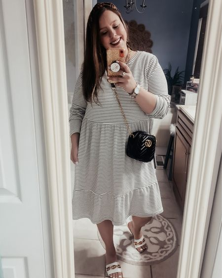 Handbags are like friends, you can never have too many! 👜  How cute is this bag from Kellparker? It's so sleek and classy. Plus it goes with EVERYTHING. I paired it with this super comfy Loft dress that is currently on sale for less than $40!!!  Are you a shoes or handbag type of girl? 👜 👠   http://liketk.it/3eAmE #liketkit #LTKitbag #LTKstyletip #LTKunder100 @liketoknow.it  Shop your screenshot of this pic with the LIKEtoKNOW.it shopping app