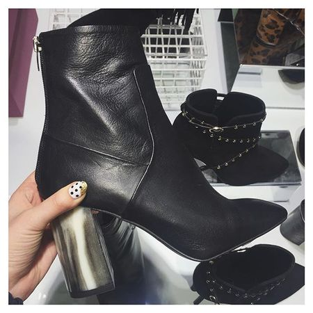 Seriously can't deal with how much I am love these boots and the fact it's payday is not helping as I think I can afford them! ✖️ Shop them via @liketoknow.it www.liketk.it/1ZmE8 #liketkit #fbloggers #fashion