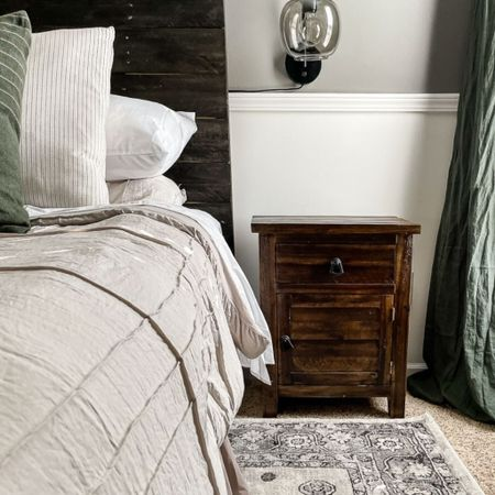 Modern vintage nightstands for your guest bedroom makeover? Yes please!   #LTKhome