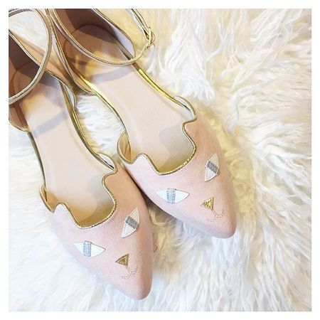 I already bought them in black but now a nude version are out I had to purchase them instantly. They're the cutest. ?  They're only £25 - You can shop them via @liketoknow.it right here ➡️ www.liketk.it/23zyn #asos #asseenonme #boxingday #shopping