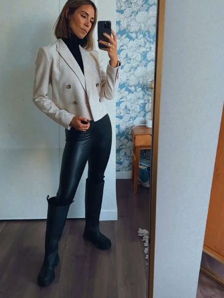 Styling a cropped blazer and leather leggings for a fall look  #LTKunder100 #LTKstyletip
