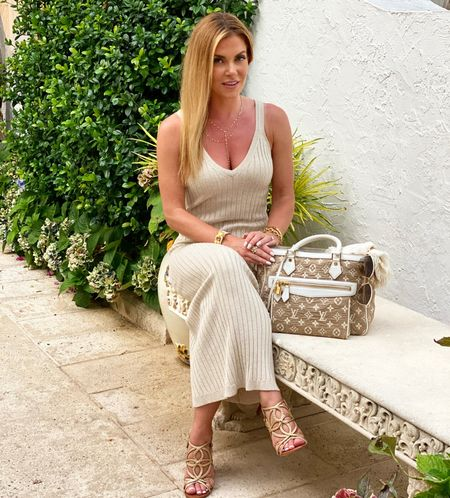 #summerdress #shimmerdress #shimmer #sparkle #florida  #palmbeachstyle #palmbeach #datenight #weddingattire #ltksummer #vacationoutfits #vacationtraveloutfits #maxidress #summeroutfits #weddingguestdress http://liketk.it/3h0d1 #liketkit @liketoknow.it   #LTKSeasonal #LTKwedding #LTKDay