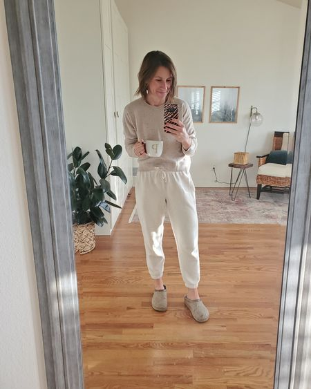 Oatmeal beige petite sweatpants. True to size. @liketoknow.it #liketkit http://liketk.it/36NSF