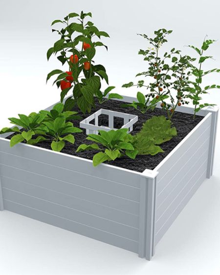 A Keyhole garden allows you to compost right into the bed.    http://liketk.it/3eAey #liketkit @liketoknow.it