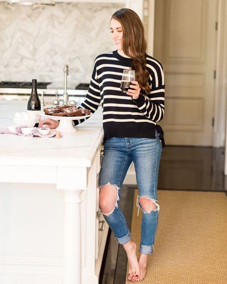 End of weekend blues call for red wine brownies (yes that's a thing and they're everything you would ever want in a dessert 🙌🏼🍷), a cozy sweater and my favorite jeans http://liketk.it/2t9Zo #liketkit @liketoknow.it 📸: @karacoleen