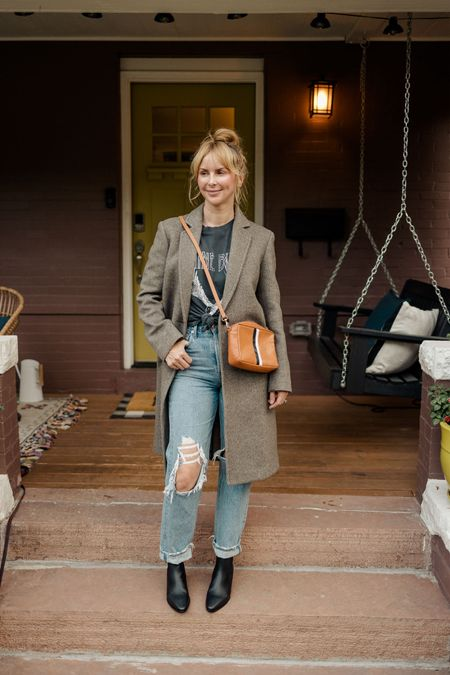 My favorite Anine Bing tee paired with the Frame Chelsea boots from the Nordstrom sale. #nsale #nordstromsale  #LTKsalealert #LTKshoecrush #LTKstyletip