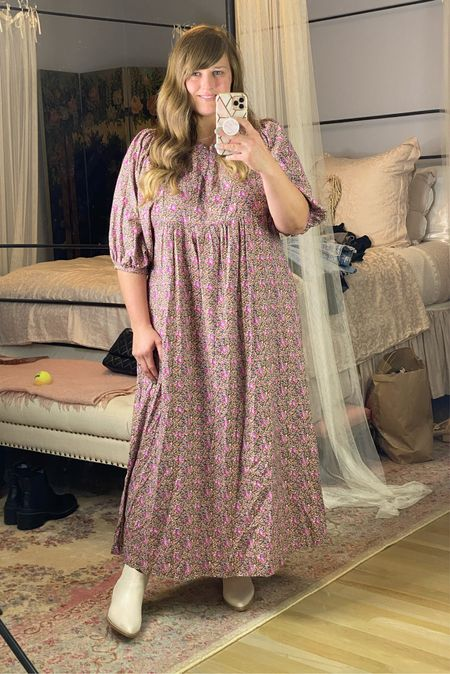 Such a pretty floral maxi! Size way down. I am in the medium!