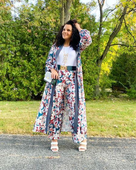 When you feel like wearing pajamas but you opt for this 2 pc Kimono set instead just as comfy but oh so chic. Can you believe this set is under $25 ? I have linked this also some of my other favs in strait and plus an all $30 or less! You can also shop my Like To Know link in my profile  #fashion #bloggerstyle #kimono #mystyle #fashionista #midsizeblogger #fashionover40 #curvyblogger #midwestblogger #browngirlblogger #lotd #igfashion #curlygirl #weekendvibes #bargainshopper  #LTKunder50 #LTKstyletip #LTKSale