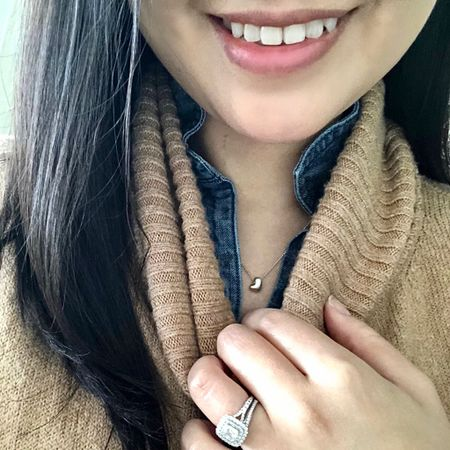 I'm loving this dainty puffy heart necklace by @michellechangjewelry. 💕 If you like delicate pieces you can find more of her pieces on michellechang.com or on her Etsy shop 'MichelleChangJewelry'. #gifted @liketoknow.it http://liketk.it/2GC1v #liketkit #LTKstyletip #LTKunder100