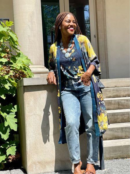 Kimono's and jeans for the fall win! There's an amazing teacher appreciation sale going on too! #winwin  #LTKSeasonal #LTKbacktoschool #LTKsalealert