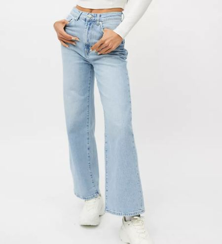Love these wide leg jeans for fall outfits!   #LTKstyletip #LTKunder100 #LTKSeasonal