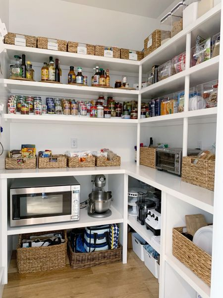 Pantry organization ideas. || #pantry #pantryorganization #pantrystorage #bins #baskets #organization #storage   #LTKhome