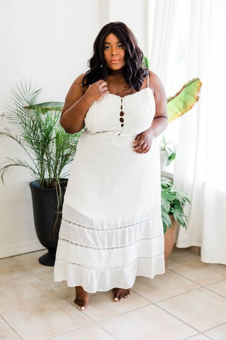 Monday musings are a little bit more romantic when wearing this gorgeous dress from @reformation. #gifted   #LTKcurves