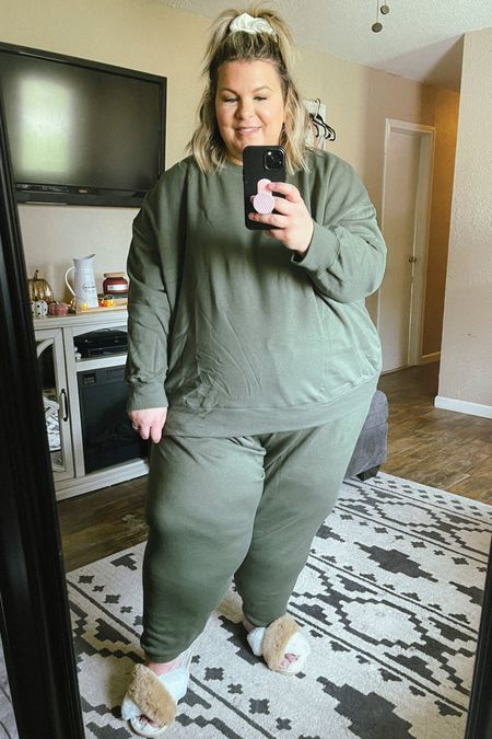 Comfy, cozy plus size loungewear is back for fall! These plus size sweats are super affordable and perfect to keep you warm this fall. Love this affordable plus size fashion find from Walmart!   #LTKSeasonal #LTKcurves #LTKunder50