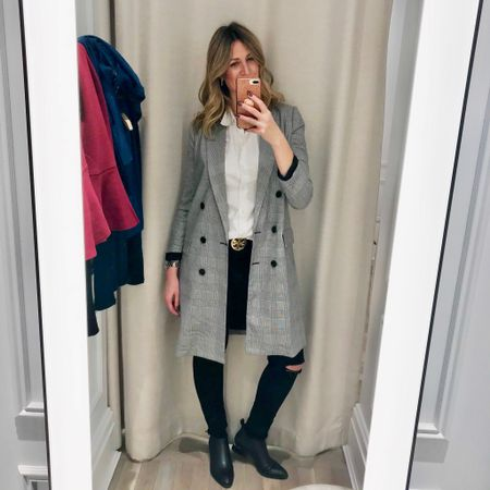 When you wear the long coat/duster 🧥 trend and know you nailed it! This coat is sold out but I did tag very similar items. ⚫️⚪️⚫️⚪️⚫️ http://liketk.it/2xBJ0 #liketkit @liketoknow.it #LTKstyletip