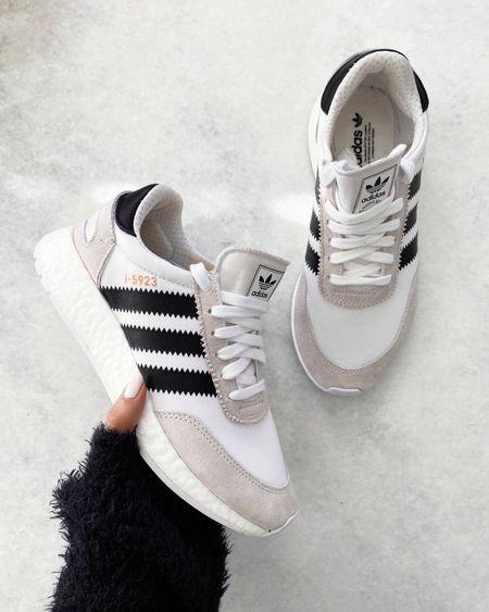 Adidas, style tip, white sneakers #StylinbyAylin  #LTKshoecrush #LTKunder100 #LTKstyletip