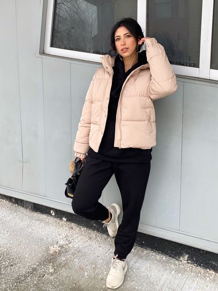 One of my absolute favourite puffer jackets! I love the color, the fit and the style. Its so comfortable too.  http://liketk.it/39tjS #liketkit @liketoknow.it #meshki #meshkipuffer #meshkijacket #nudepuffercoat #puffercoat #puffer #LTKSeasonal #LTKstyletip