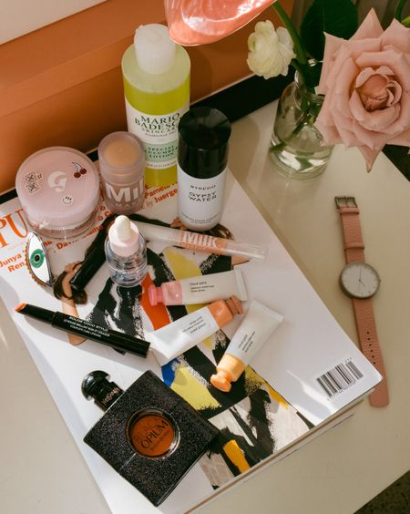 Sharing all my favorite beauty and skincare products from the past month, today on A Constellation. Direct link in bio or shop them all here http://liketk.it/2rx1o with @liketoknow.it #liketkit #LTKbeauty #LTKunder100