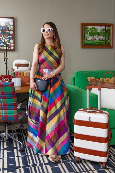 Travel outfits, luggage, women's outfits, fall outfits   #LTKstyletip #LTKtravel #LTKHoliday