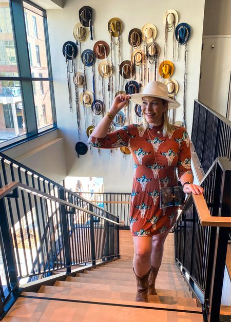 Well when you find a backdrop that matches your outfit you grab a pick. #footballstyle #gamedaystyle #footballgamestyle  #cowgirlboots #bootstyle #fallstyle2021 #texaslonghorns #longhornstyle   #LTKunder50 #LTKcurves #LTKstyletip