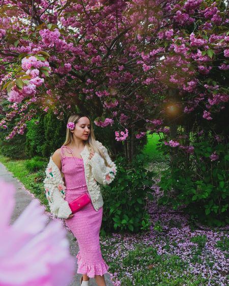 When in doubt wear pink💗🌸 http://liketk.it/3gX3w #liketkit @liketoknow.it #LTKunder100 #LTKunder50 #LTKsalealert #pink #pinkoutfit #set #cardigan #chunkycardigan #knit #girly #feminine #prada #designer #designerbag