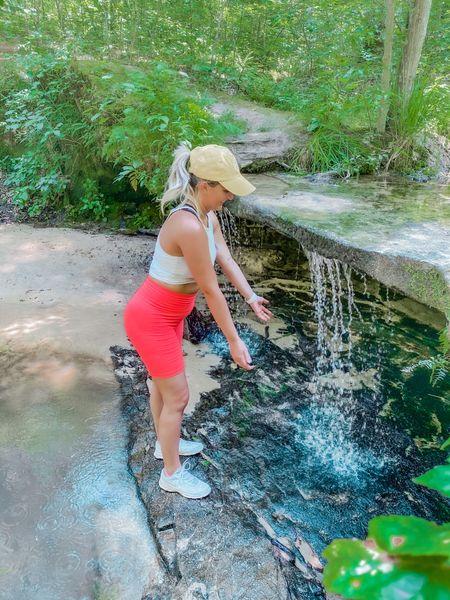 #liketkit @liketoknow.it http://liketk.it/2UPHC Hiking outfit
