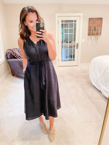 """I'm trying really hard to wear more skirts and dresses and just dress more """"professional teacher"""" this school year. Well, at least to start, we all know leggings season is fast approaching! 😆 I felt so pretty in this flare midi! This was my one purchase in Charleston, can you believe that?! Linked a similar style here.   #LTKunder100 #LTKworkwear #LTKbacktoschool"""