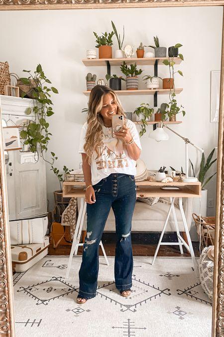Petite curvy denim jeans ~  paired with a graphic tee!! Wearing size 6 short in jeans + medium in top. #maurices #petitestyle #peiteblogger  #denimstyle  #liketkit  #liketkit #LTKstyletip #LTKsalealert #LTKunder50