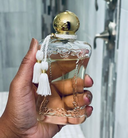 Happy Saturday! Today I'm wearing Parfums de Marly Meliora. It is a cloudy and rainy day here, but this fragrance puts me in a bright mood without feeling out of place. Although it's a fruity fragrance, the green nuances to it make it wearable year round for me! What's your #scentoftheday ?  #sotd #parfumsdemarlymeliora #pdmmeliora #nichefragrance #perfumelover #nichefragrances #bgwgs #perfumista #fragrancereviewer #simplyayesha     #LTKbeauty