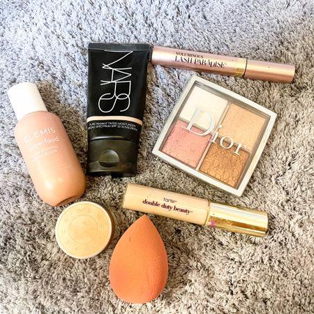 """No makeup"" makeup favs http://liketk.it/3eOq5 #liketkit @liketoknow.it #LTKbeauty"