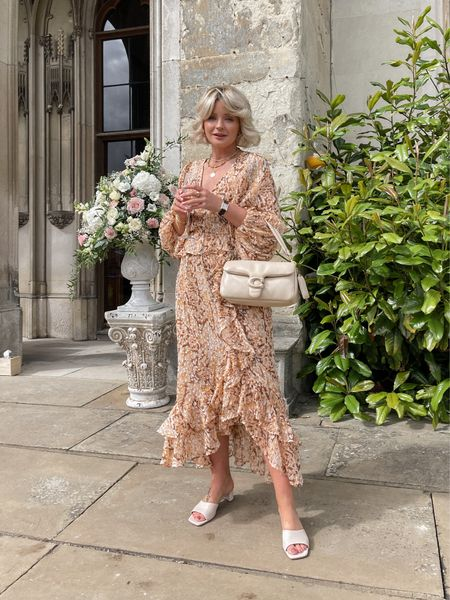 Summer Uk wedding outfit - I'm wearing a size 8