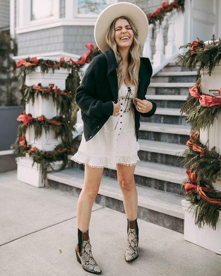 A warm kinda winter  http://liketk.it/35B2v #liketkit @liketoknow.it @liketoknow.it.family mom style, fashion, rahi, snakeskin boots, booties, wide brim hat