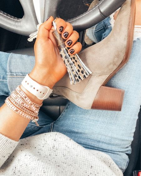 Can't get enough of these @victoriaemerson wrap bracelets! And you guys. They're BOGO FREE right now. Pretty sure I have one in every color at this point, but currently crushing real hard on this rose gold situation, perfect way to spice up my casual ripped jeans and suede booties look 💗 http://liketk.it/2FLM1 #liketkit @liketoknow.it