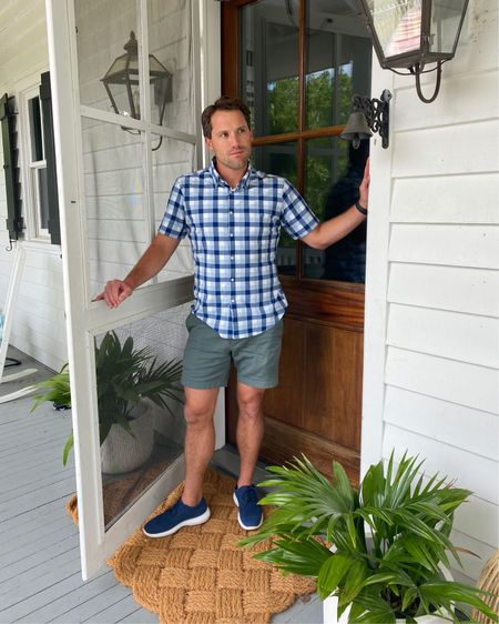 """Dave's outfit! Super cooking shirt and his """"favorite"""" shorts! True to size http://liketk.it/3g9cl #liketkit @liketoknow.it"""
