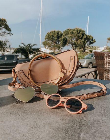 Petit kiff du jour, manger une glace au soleil sur le port avec mes bébés d'amour ! Et mes petites nouveautés : mon joli sac Chloé et mes lunettes en cœur Quay Australia 💕  Celles d'Emma sont des Izipizi (12-36 mois). Retrouvez les liens de ces articles sur le blog ou sen faisant une capture de cette imag  http://liketk.it/2vyno #liketkit @liketoknow.it
