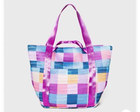 Perfect beach bag or pool bag for summer!  #liketkit #LTKswim #LTKitbag #LTKfamily   @liketoknow.it   http://liketk.it/3eDQ4