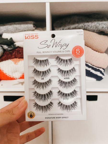 100% eyelashes! They look super natural.
