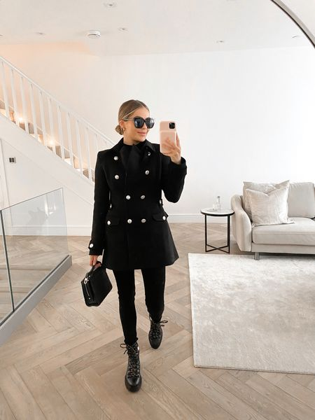 The most perfect coat ever 🖤
